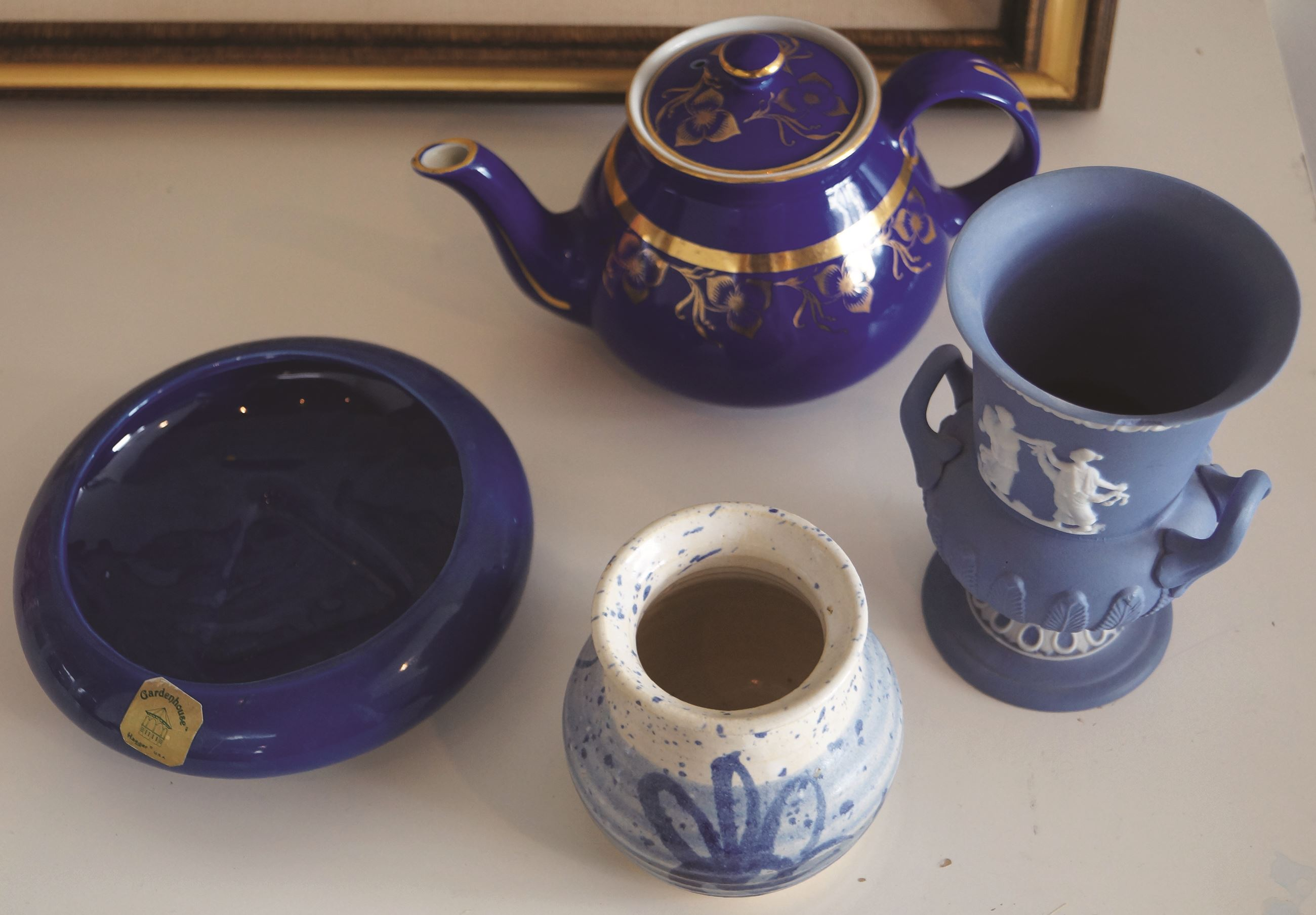 Blue pottery, teapot