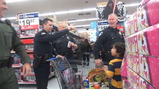 Shop with a cop 4.jpg