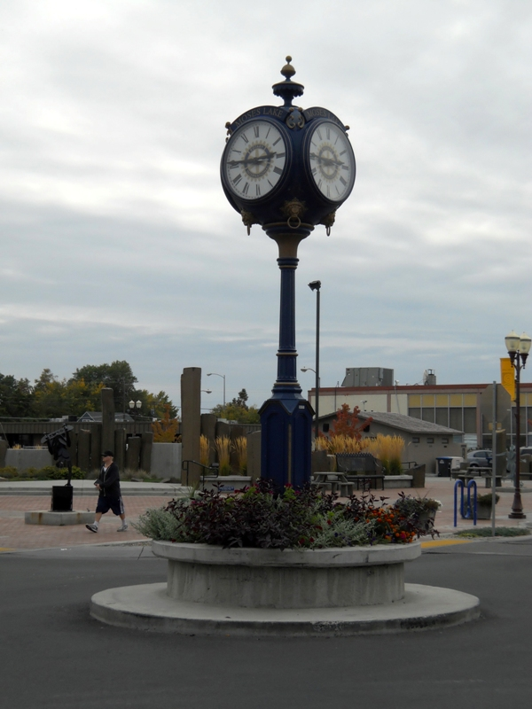 Third Avenue Clock